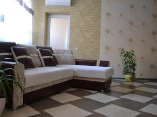 Продажа квартир: 2-комнатная квартира, Краснодар, ул. Дальняя, 39/2, фото 1