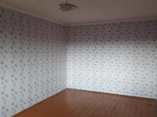 Продажа квартир: 2-комнатная квартира, Кемеровская область, Белово, пгт. Новый Городок, ул. Ермака, 3, фото 1