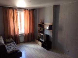 Аренда квартир: 1-комнатная квартира, Волгоград, Бакинская ул., 1, фото 1
