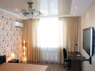 Продажа комнаты: 2-комнатная квартира, Хабаровский край, Комсомольск-на-Амуре, Хетагуровская ул., 9, фото 1