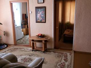 Продажа квартир: 4-комнатная квартира, Кемеровская область, Топки, мкр. Красная горка, 13, фото 1
